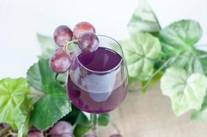 suco de uvas foto