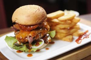 hambúrguer grande foto