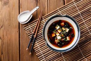 sopa de missô com tofu