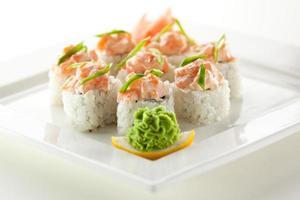 cozinha japonesa - rolo de sushi
