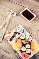 conjunto de sushi maki