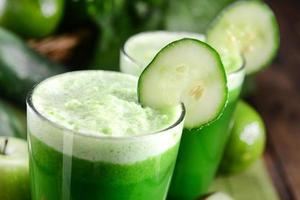 suco verde foto