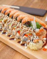 rolos de sushi maki