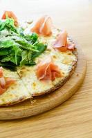 pizza de presunto parma foto