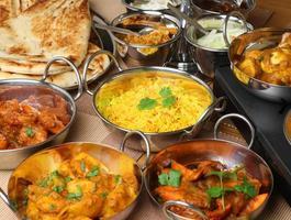 banquete de comida indiana foto