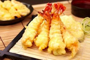 tempura de camarão foto