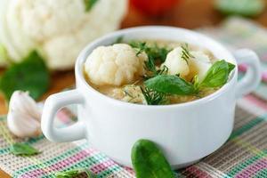 sopa de couve-flor foto