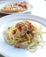 estilo tailandês picante de spagetti foto