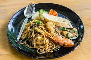 espaguete com frutos do mar foto