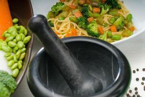 macarrão vegetal foto