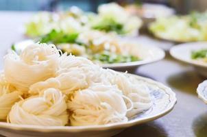 macarrão tailandês foto
