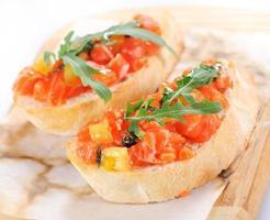 bruschetta com salmão foto