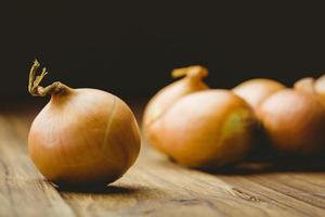 cebolas frescas foto