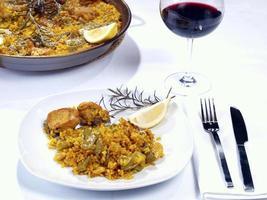 paella em um prato