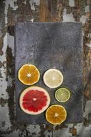 as cores das frutas cítricas foto