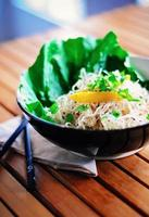 macarrão tailandês pad cru foto