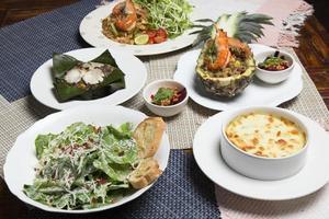 conjunto de mistura de fusão Tailândia com comida oriental