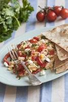 ovos mexidos com tortilhas foto