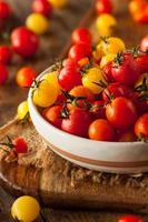 tomates de cereja orgânicos da herança