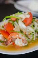 salada de camarão picante