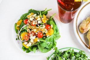 salada de espinafre foto