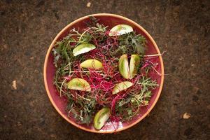 folhas de salada para um corpo e espírito saudáveis foto