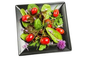 salada mista de vegetais foto