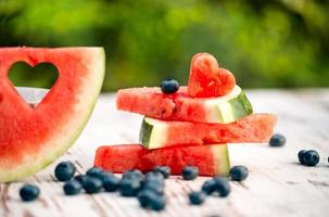 fatias de melancia com amor decorar foto