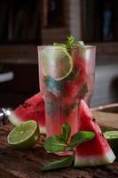 limonada de melancia caseira foto