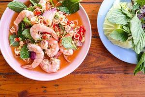 salada spciy camarão foto