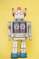 rerto robô de brinquedo foto