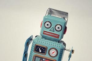 robô de brinquedo de lata vintage foto