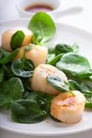 Salada de vieiras foto