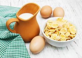 flocos de milho com leite foto