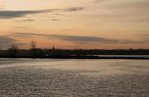lac st-louis, nascer do sol foto