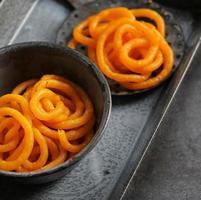 jilebi - famosa sobremesa doce indiana para festivais foto