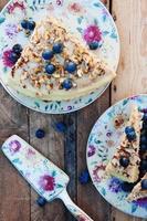 pedaço de bolo de mirtilo foto