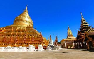 Shwezigon Paya, Bagan, Mianmar. foto
