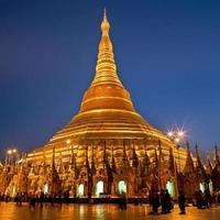 pagode shwedagon em yangon, myanmar foto
