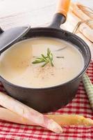 sopa de aspargos foto