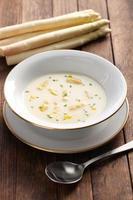 sopa de creme de espargos brancos, spargelcremesuppe foto
