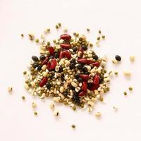 diferentes tipos de grãos, cinco grãos foto