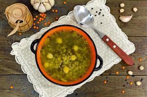 sopa de grão de bico e lentilha foto