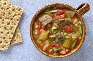 Sopa de carne com cevada foto