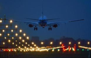 pouso de aeronaves em Amsterdã Schiphol