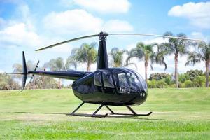 helicóptero no chão foto