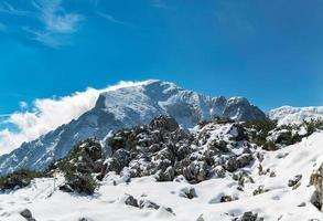 paisagem com montanhas foto