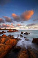 outono com vista do mar foto