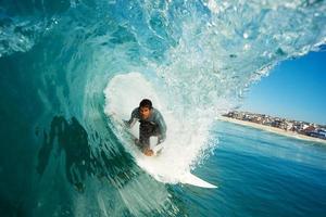 surfista no barril foto