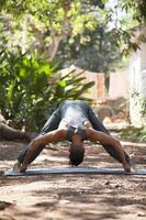 yoga na natureza. foto